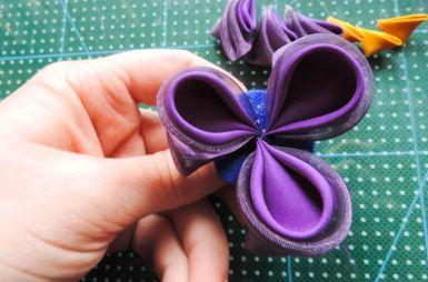 Tutorial floare de iris matase organza - petalele rotunde asamblate
