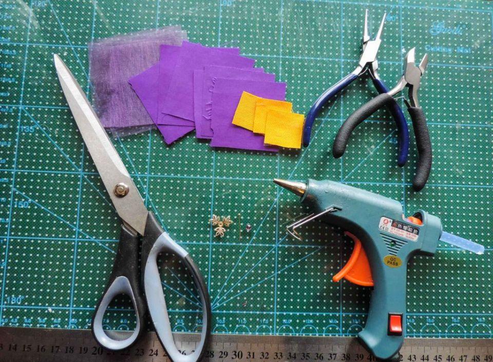 Materiale si unelte - Tutorial floare de iris matase organza