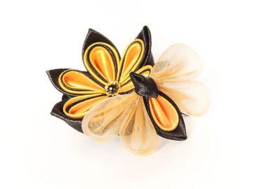 Albina din satin si organza si floare galben negru