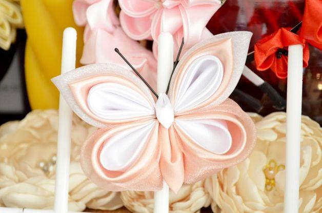 Fluture din satin alb si roz-piersica pentru mireasa