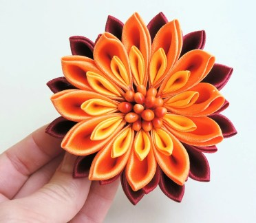 Fiery satin chrysanthemum - DIY tutorial