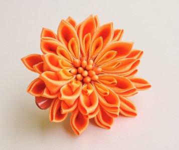 Orange satin chrysanthemum - DIY tutorial
