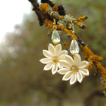 Fabric flower earrings - lovely ivory