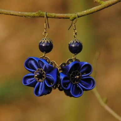 Fabric flower earrings - royal blue
