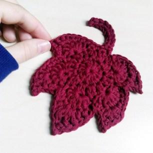 Crochet autumn leaves coaster 2