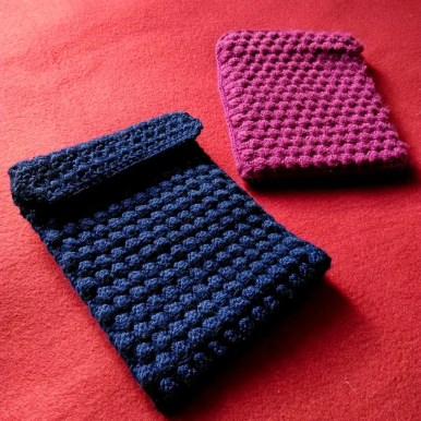 Bobble wrap crochet Kindle case 1