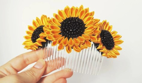 Bridal sunflower comb with black seed beads