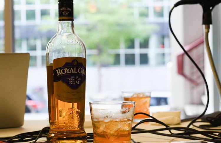 Hogyan kell inni Rum Jobbra és mit kell enni