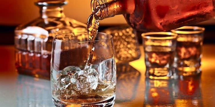 چگونه و چه چیزی بهتر ودکا یا ویسکی را بنوشید
