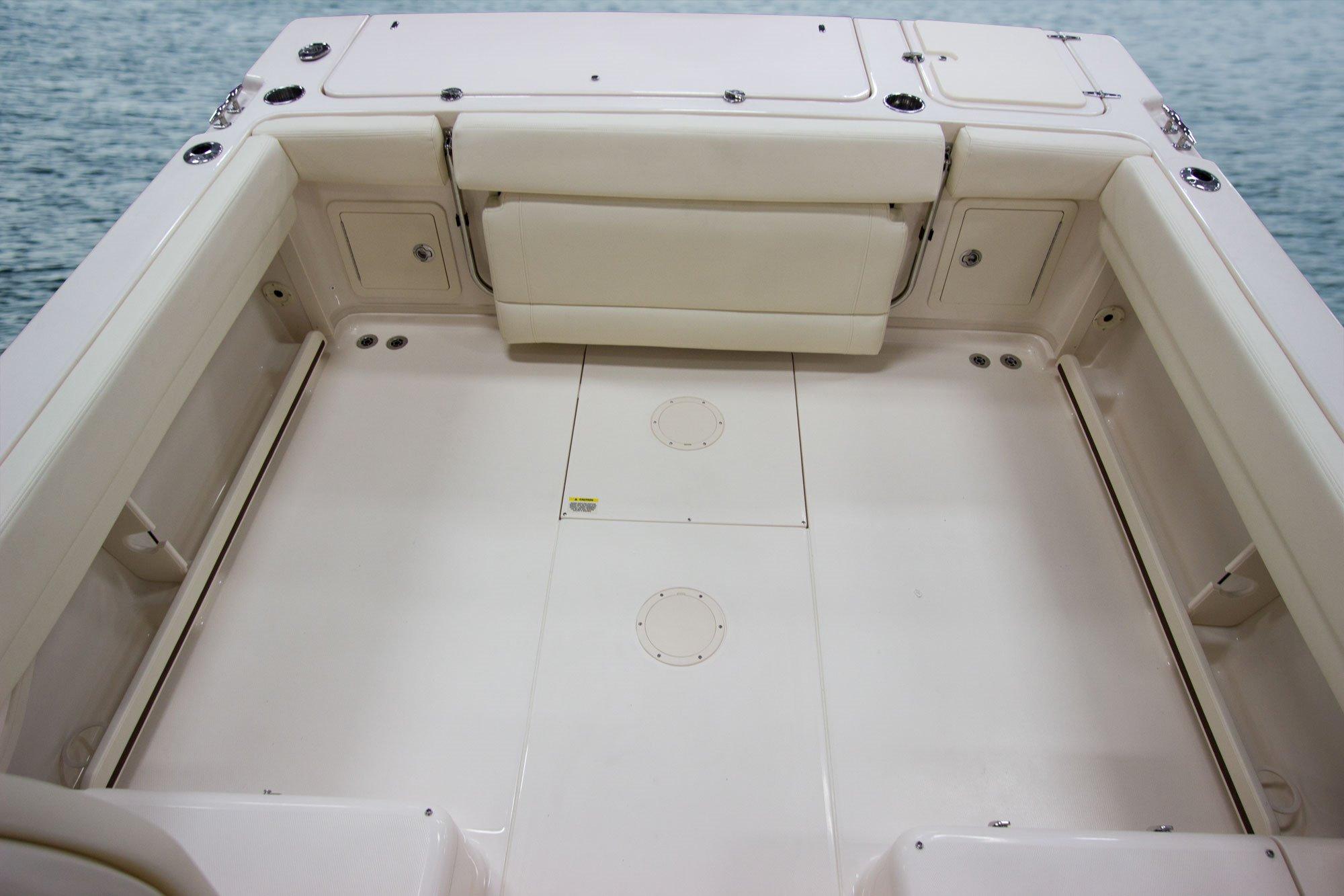 hight resolution of self bailing cockpit w cockpit drains 4