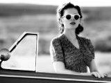 Hayley Atwell as Eva Delectorskaya in the Miniseries Restless