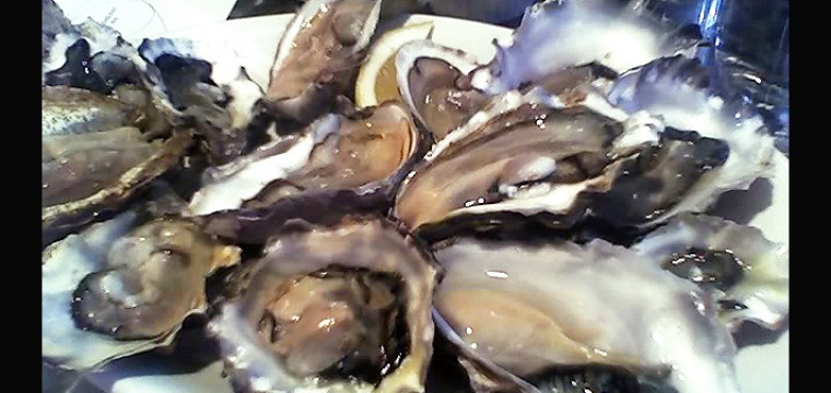 A flight of oysters