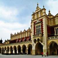 Kraków rynek Polska Sukiennice panorama niebo budynek