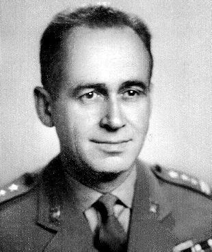 Kazimierz Graff po zwolnieniu z prokuratury został radcą prawnym. Do dziś mieszka w Warszawie