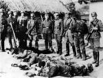 Polscy chłopi rozstrzelani podczas pacyfikacji wsi na Zamojszczyźnie w 1943 r.