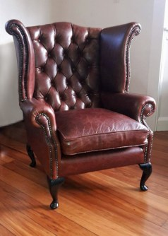 Deep buttoned leather chair