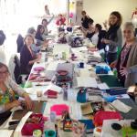 à Toulouse, aujourd'hui c'est atelier!!! Avec des élèves tres appliquées #scrapasauce #atelier #mixedmedia #mixedmediaart #mespetitsbonheurs #lespetitsbonheurs_gdv #flowmagazine #nothingsordinary #fmsphotoaday #encres #gelliplate #gravure #collage #ameliepoulain
