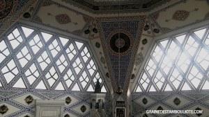 intérieur de la mosquée moderne Dark Vador Mustafa Kanat Atasehir Istanbul Turquie