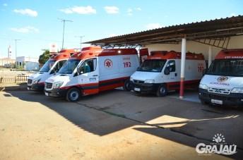 Grajau recebe duas ambulancias do SAMU e uma retroescavadeira 01