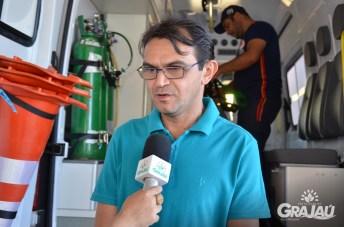 Grajau recebe duas ambulancias do SAMU e uma retroescavadeira 07