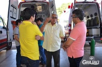 Grajau recebe duas ambulancias do SAMU e uma retroescavadeira 13