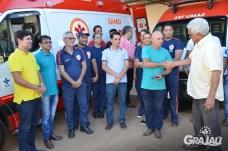 Grajau recebe duas ambulancias do SAMU e uma retroescavadeira 17