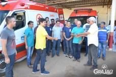 Grajau recebe duas ambulancias do SAMU e uma retroescavadeira 19