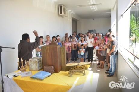 Reliquias de Sao Francisco de Assis na prefeitura 02