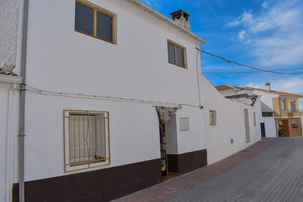 Alhama de granada, for sale, townhouse, santa cruz del comercio