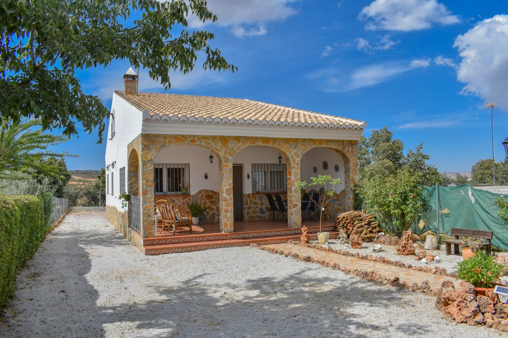Granada estate agency, for sale detached villa. Alhama de granada