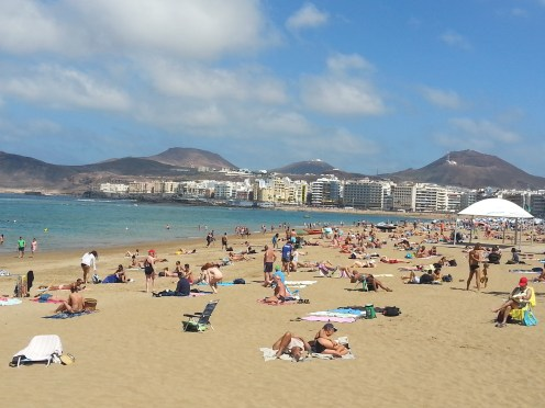 Gran Canaria in winter, Las Palmas beach, Aiport transfer