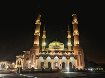 Al Farooq Omar Bin Al Khattab a noite