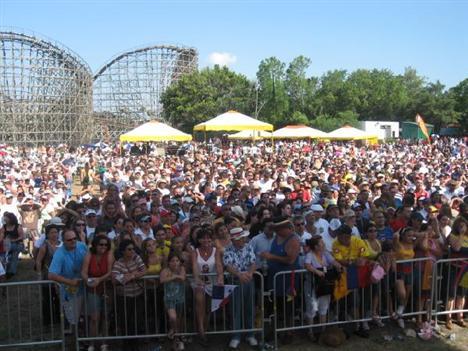 The Multitude at Busch Gardens enjoys Grupo Niche