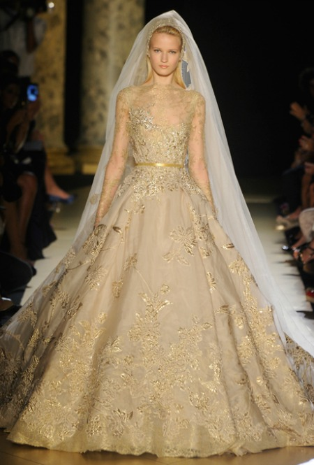 6 OvertheTop Fantasy Wedding Dresses from the Couture Fashion Shows  Savvy Empowering Women