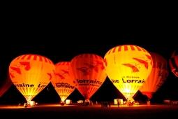 montgolfieres-nuit