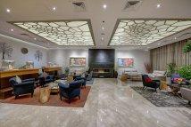 Grandeur Hotel - Dining Delicious Food In Al Bharsha Dubai