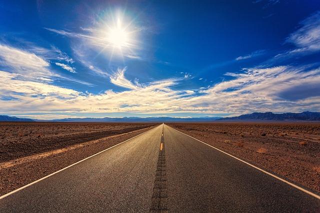 road-3133502_640.jpg
