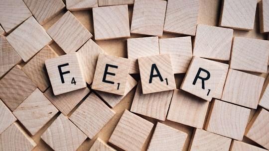 Comment limiter la transmission de nos peurs aux enfants