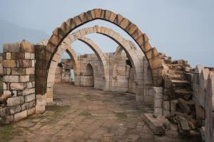 Arches en pierre