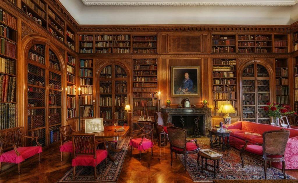 Une bibliothèque splendide