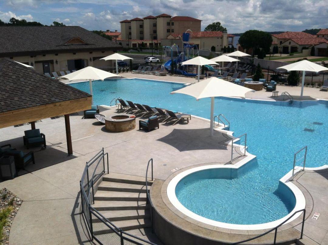 Shangri-La Resort Pool area