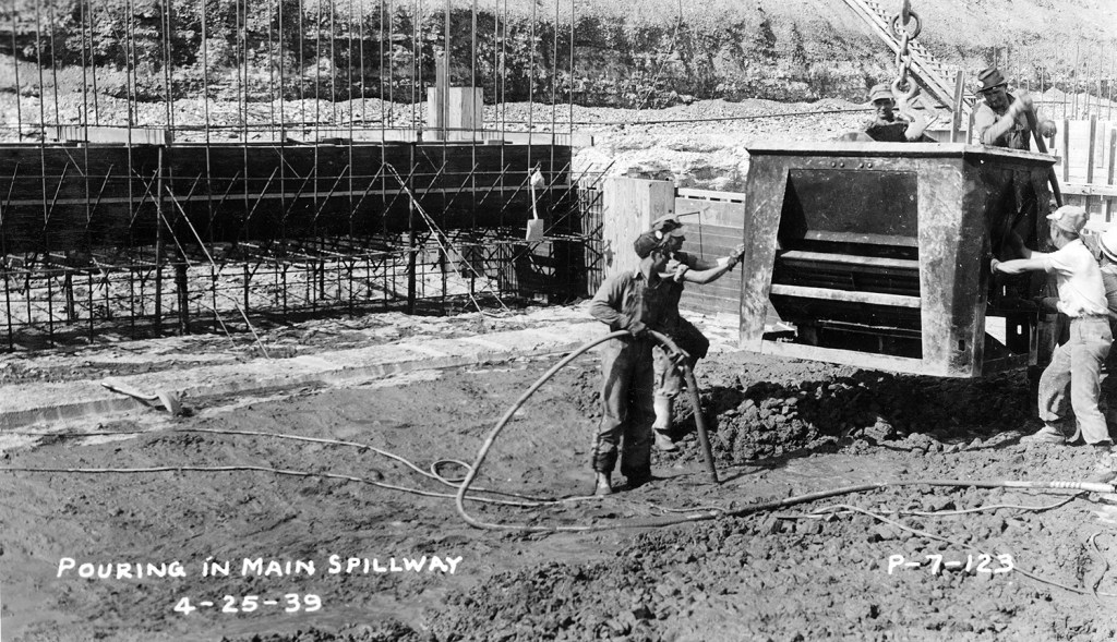 Pouring of concrete at Pensacola Dam 1939