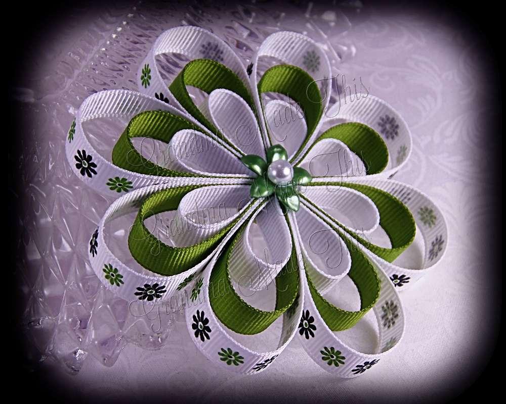 Green Flowers Ribbon Sculpture Flower Bow