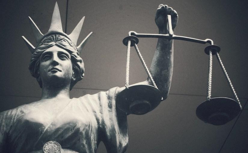 «Каждый поступок чиновника подлежит свободному обсуждению и осуждению»