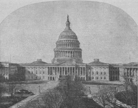 Капитолий. Слева — Сенат, справа — Палата представителей