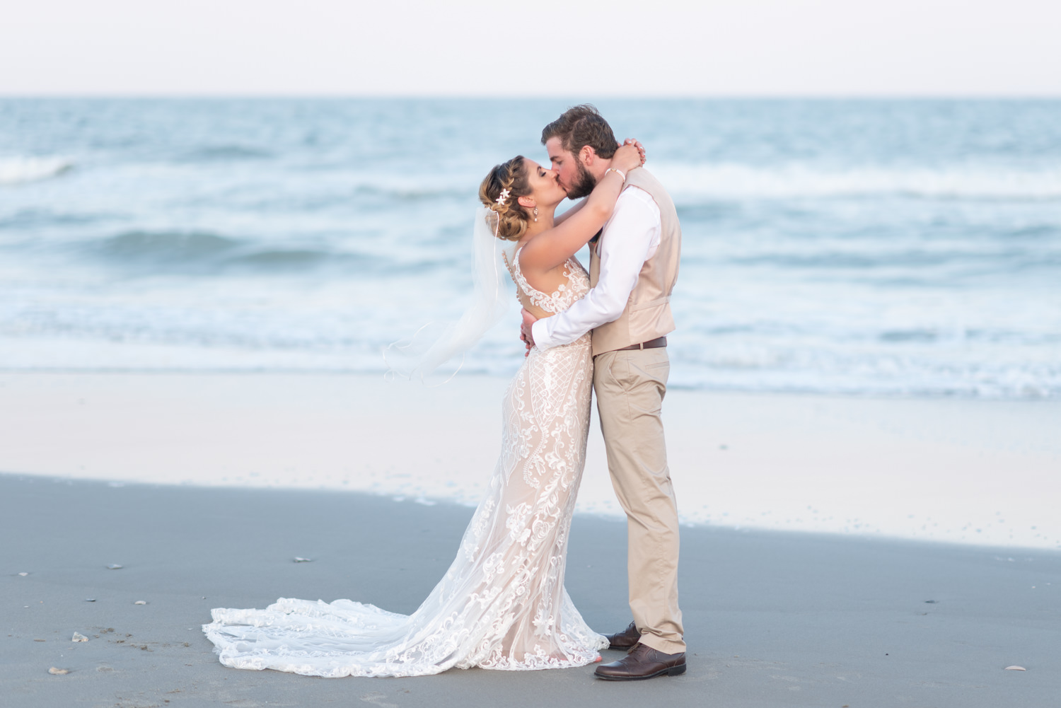 Kiss by the ocean - Grande Dunes Ocean Club - Myrtle Beach