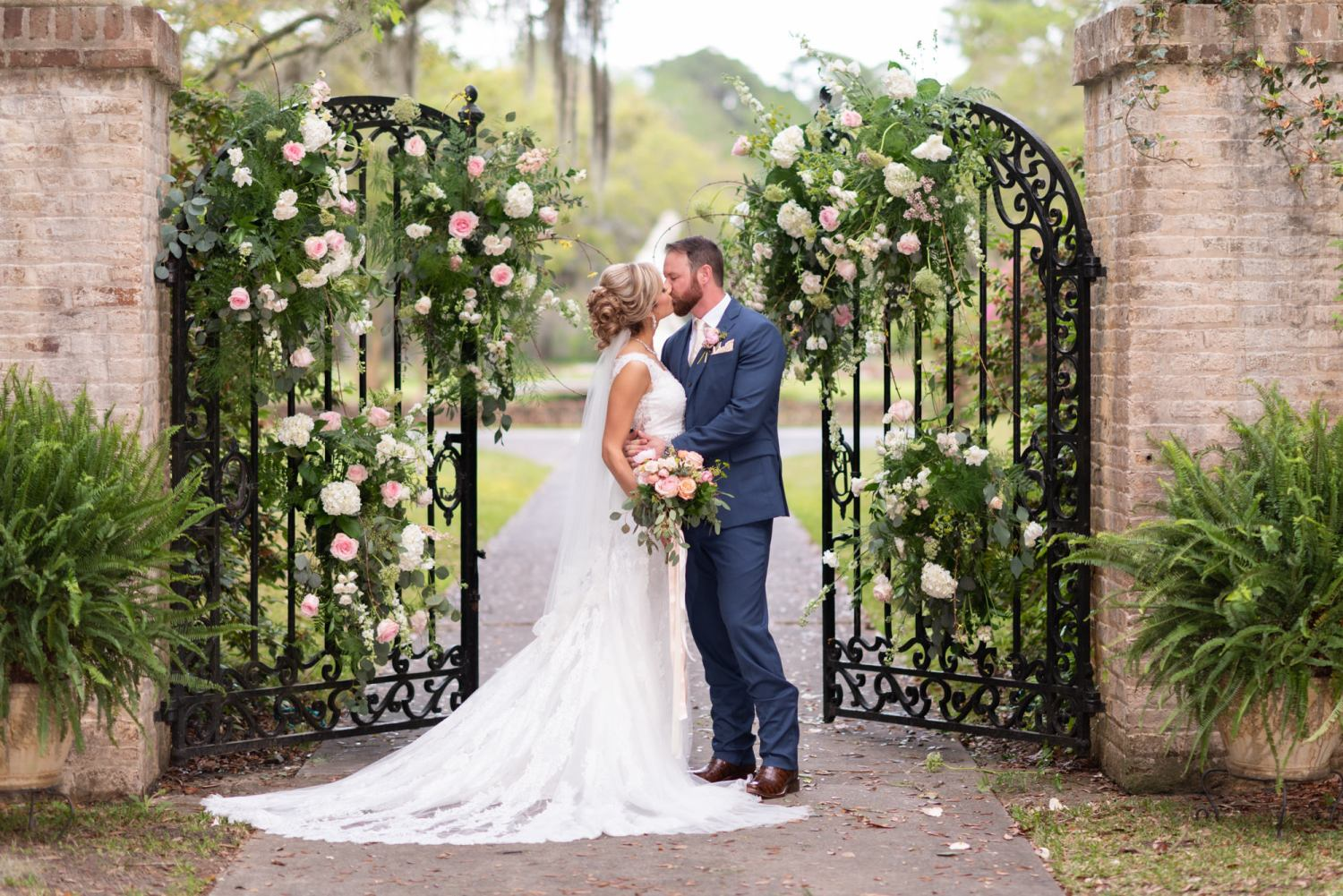 Kiss by the open gates - Brookgreen Gardens