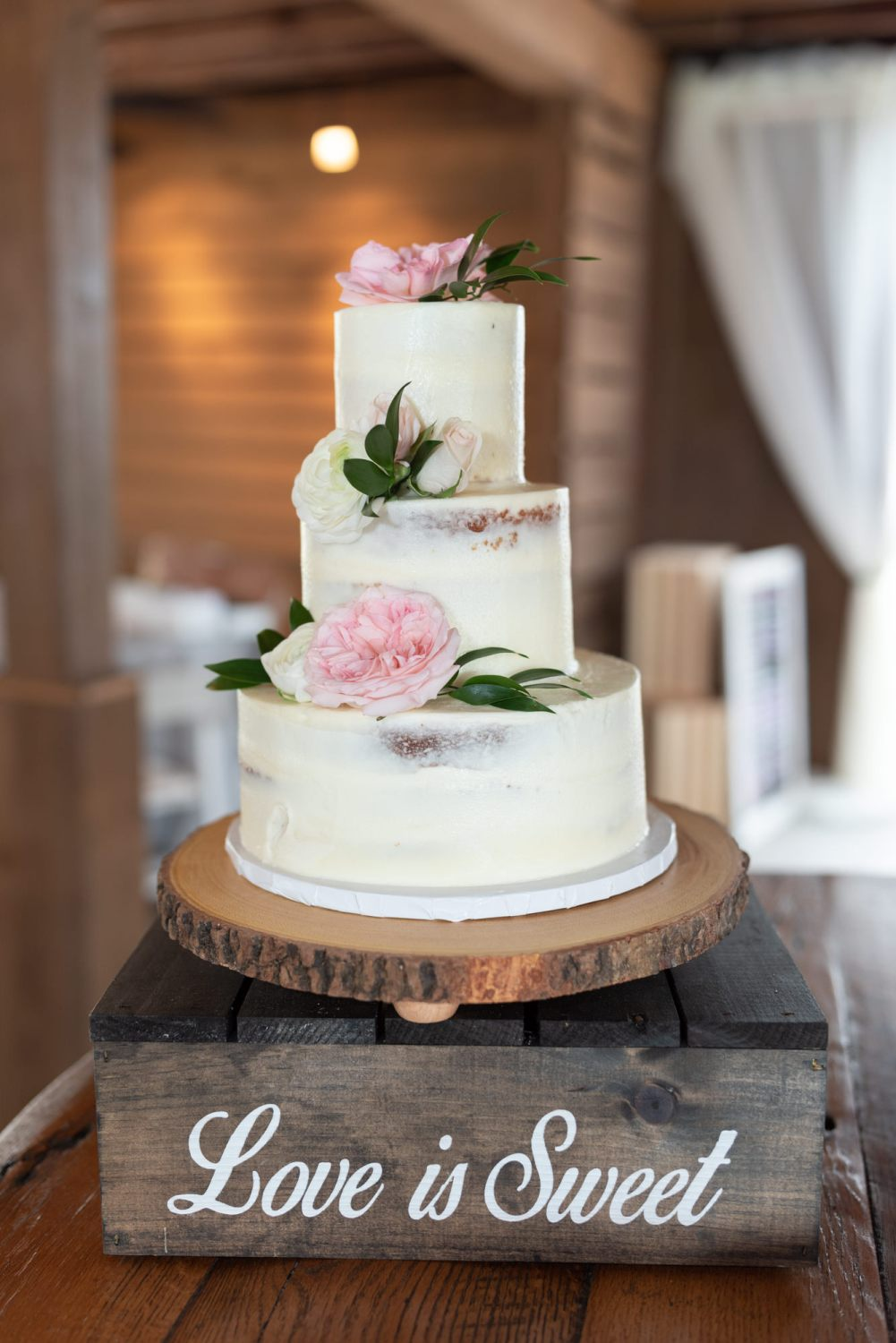 Love is sweet cake details - Wildhorse at Parker Farms