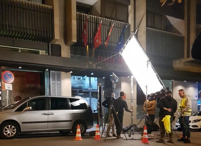 coche de escena vehiculo de escena coche de rodaje vehiculo de rodaje alquiler coche alquiler coche de escena alquiler coche de rodaje actual rodaje seri 5 1024x745 - ✔️✔️Alquiler de vehículos de escena y rodajes.