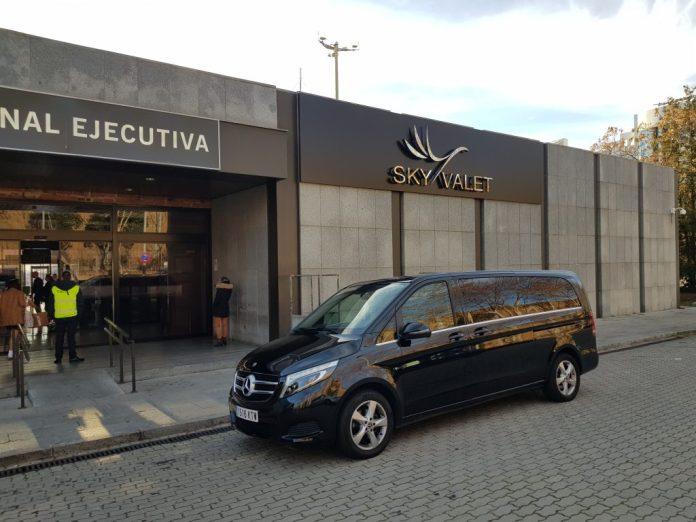 alquiler vehículo 7 plazas mini van mercedes tour madrid transfer aeropuerto 26 1024x768 - ✔️✔️Alquiler MiniVán en Madrid 2020